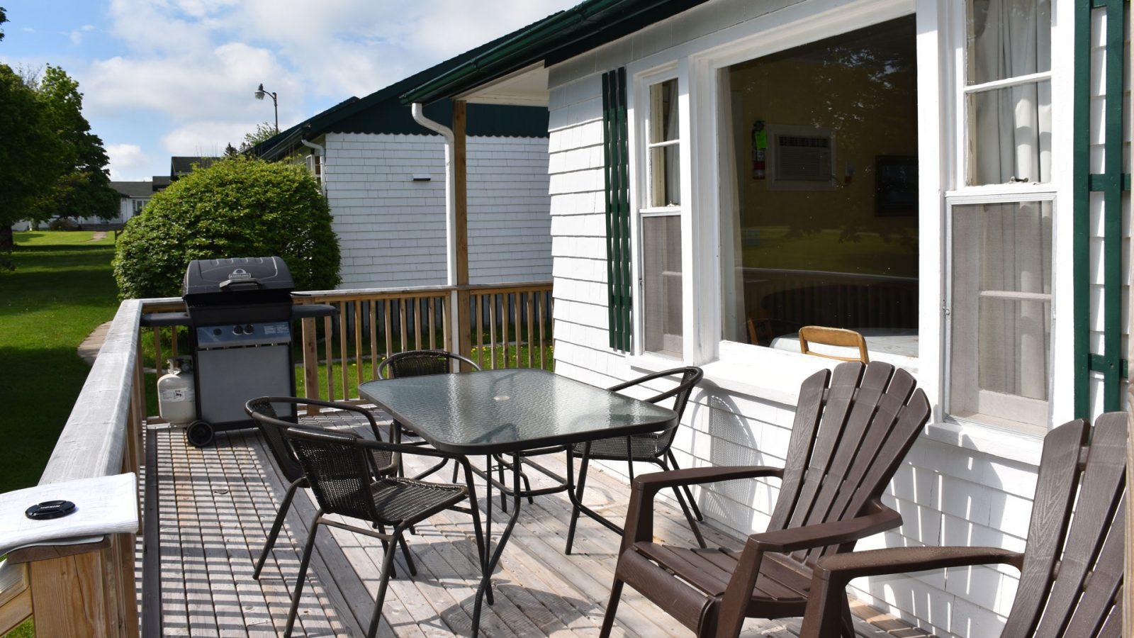 #2 Duplex Cottage - Deck