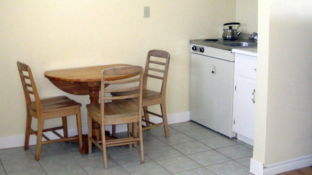 #12 Triplex Cottage - Kitchenette
