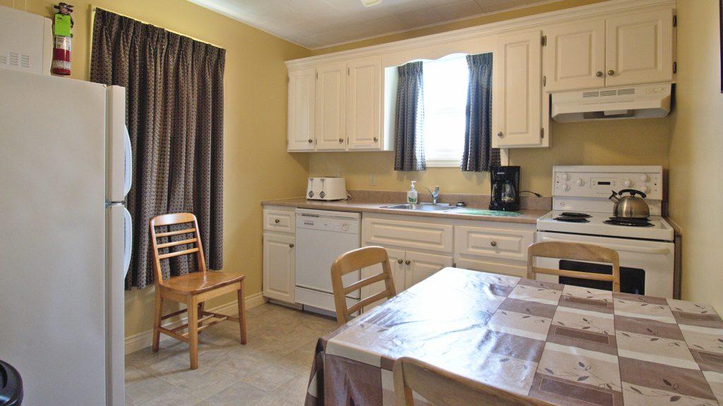 #14 Stand-Alone Cottage - Kitchen