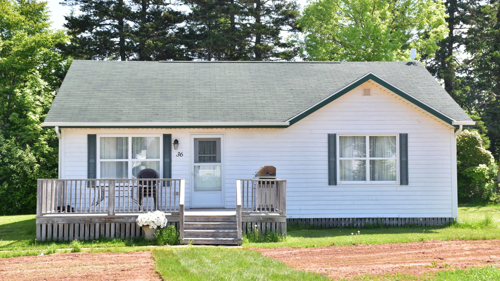 #36 2 Bedroom Executive Cottage - Exterior
