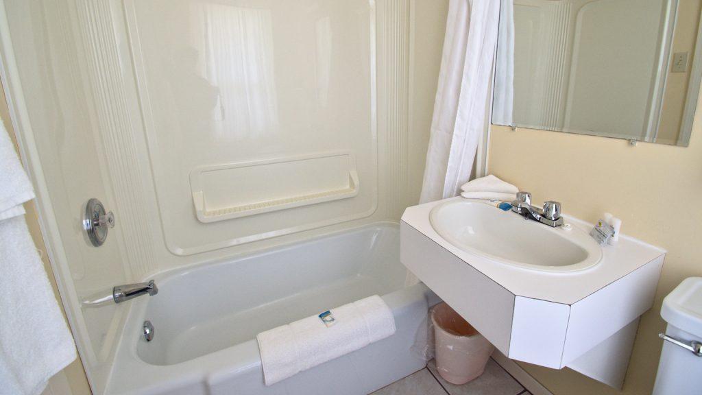 #11 Duplex Cottage - Bathroom