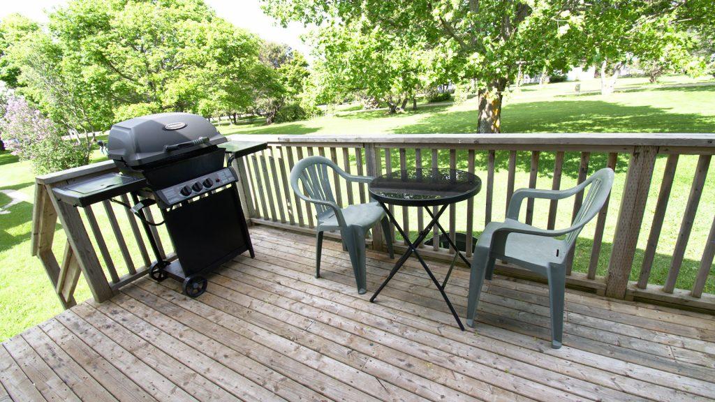 #5 Duplex Cottage - Patio Deck