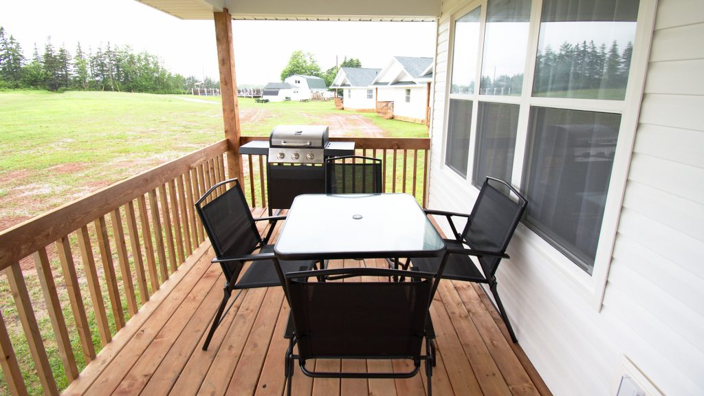 Stand-Alone Cottages - Deck | BBQ