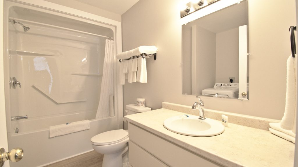 Stand-Alone Cottages - Bathroom