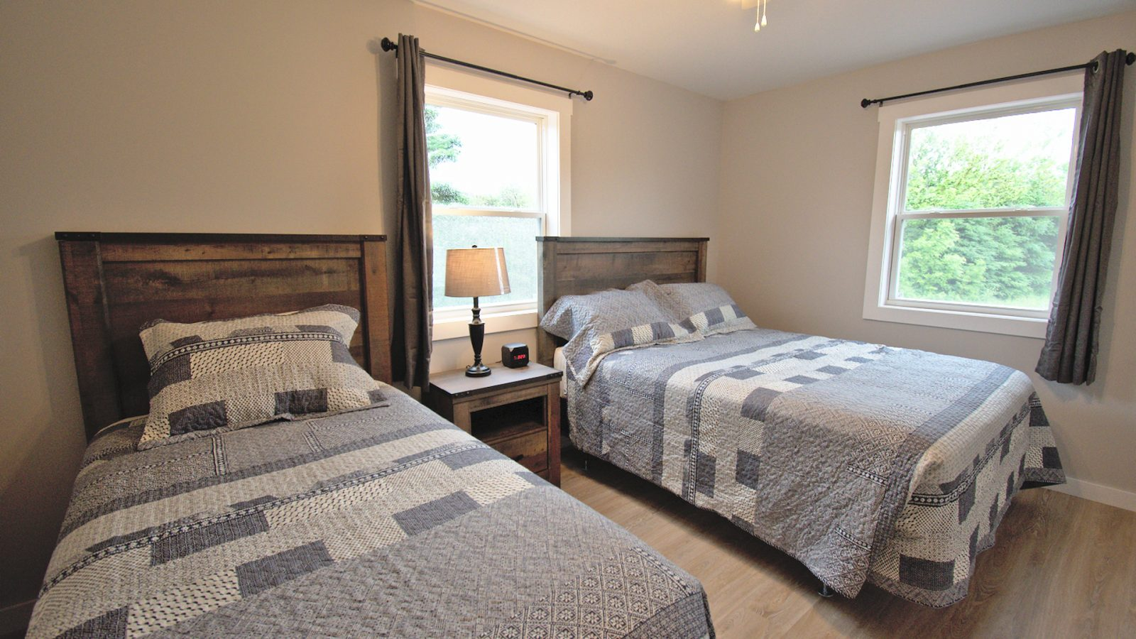 Stand-Alone Cottages - Twin Beds