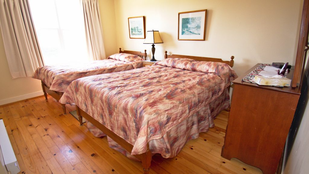 #3 Stand-Alone Cottage - Bedroom
