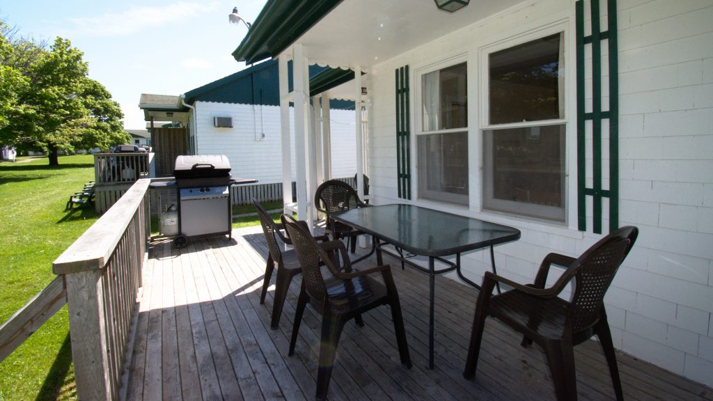 #3 Stand-Alone Cottage - Patio Deck