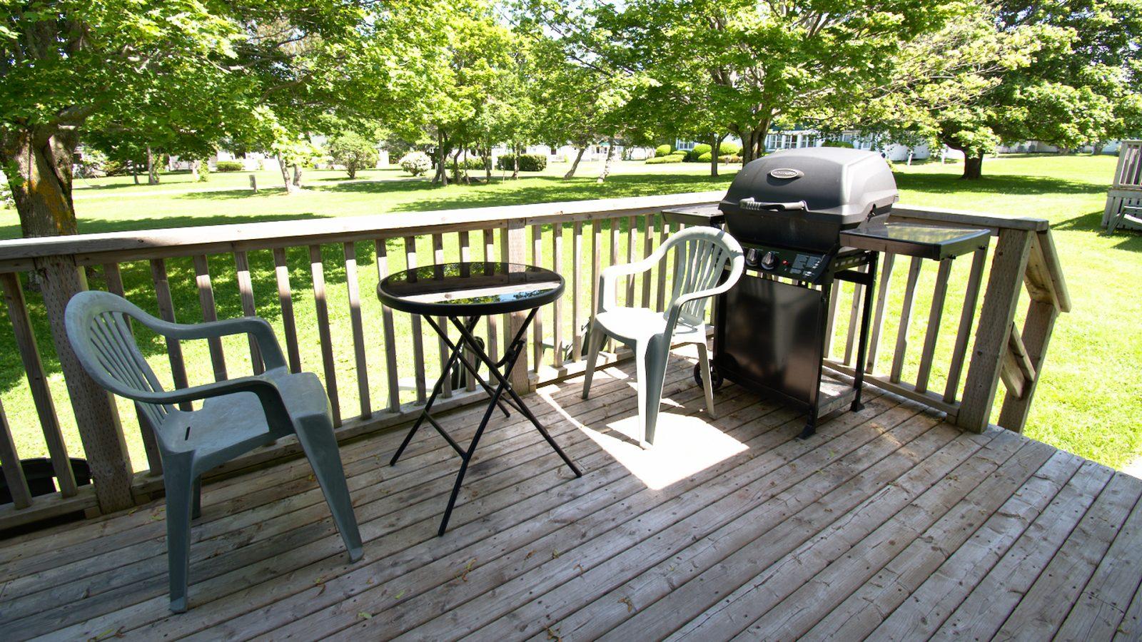 #7 Duplex Cottage - Patio Deck