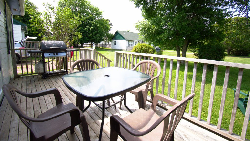 #16 Stand-Alone Cottage - Deck
