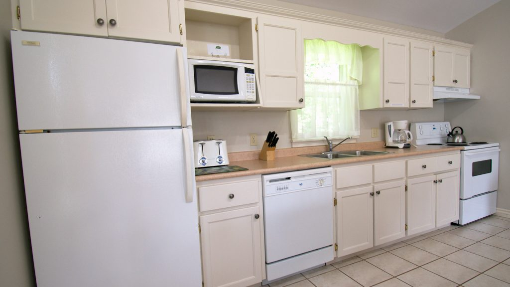 #35 2 Bedroom Executive Cottage - Kitchen