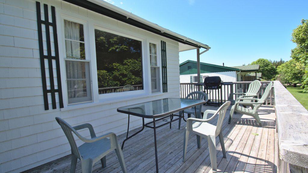 #9 Duplex Cottage - Deck
