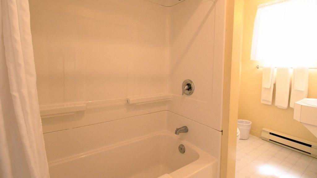 #9 Duplex Cottage - Bathroom