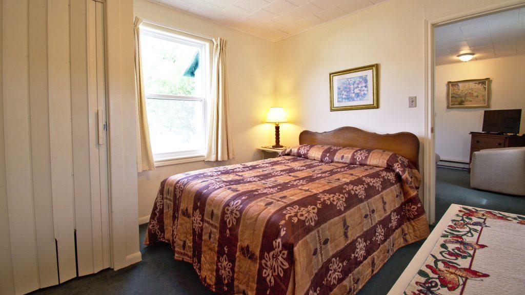 #29 Duplex Cottage - Bedroom