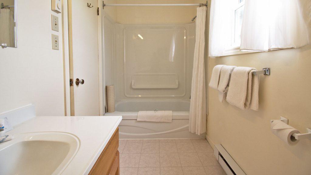 #29 Duplex Cottage - Bathroom