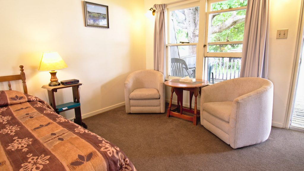 #32 Motel Unit - Living Area