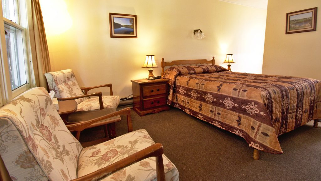 #31 Motel Unit - Living Area