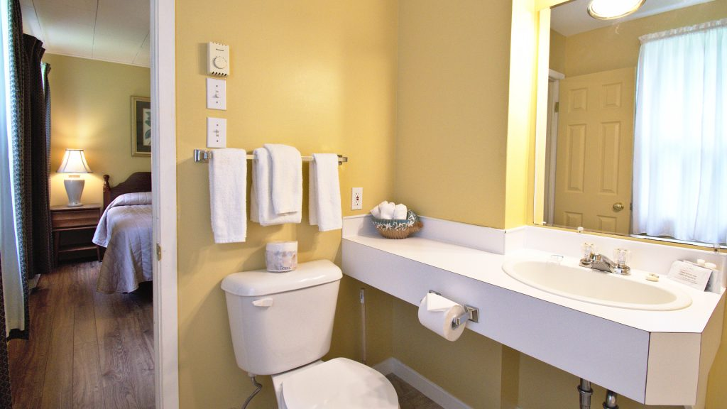 #23 Stand-Alone Cottage - Bathroom