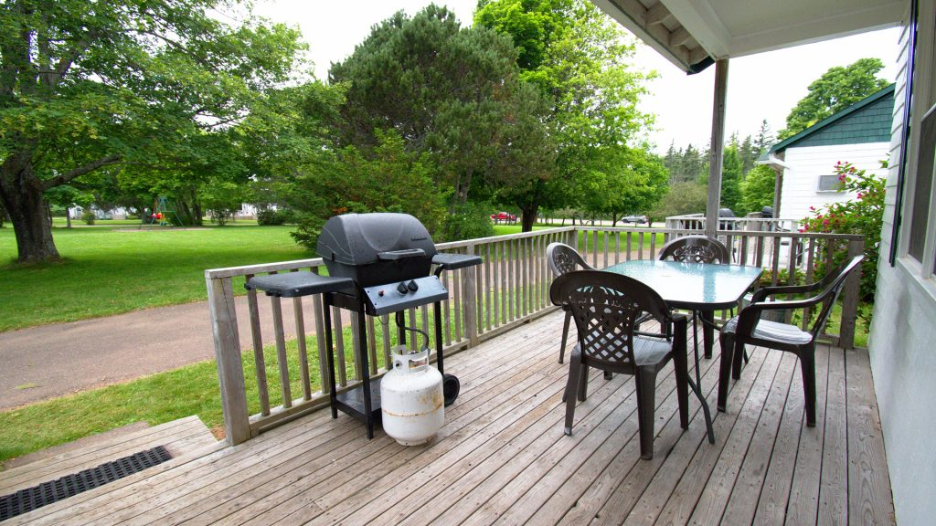 #23 Stand-Alone Cottage - Deck