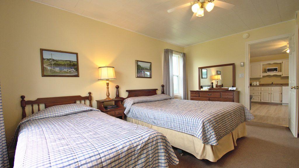 #10 Triplex Cottage - Bedroom