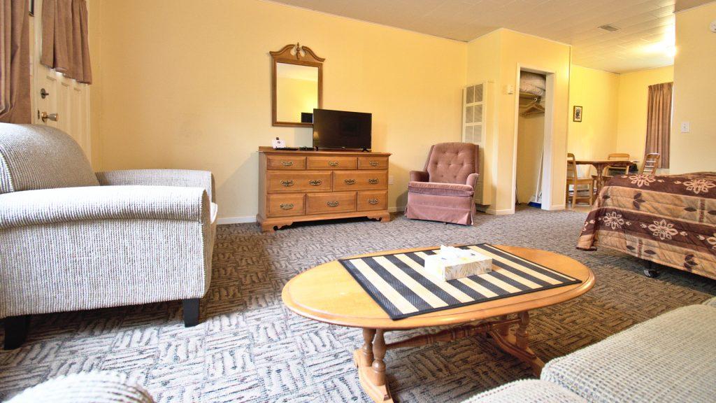 #20 Duplex Cottage - Living Area