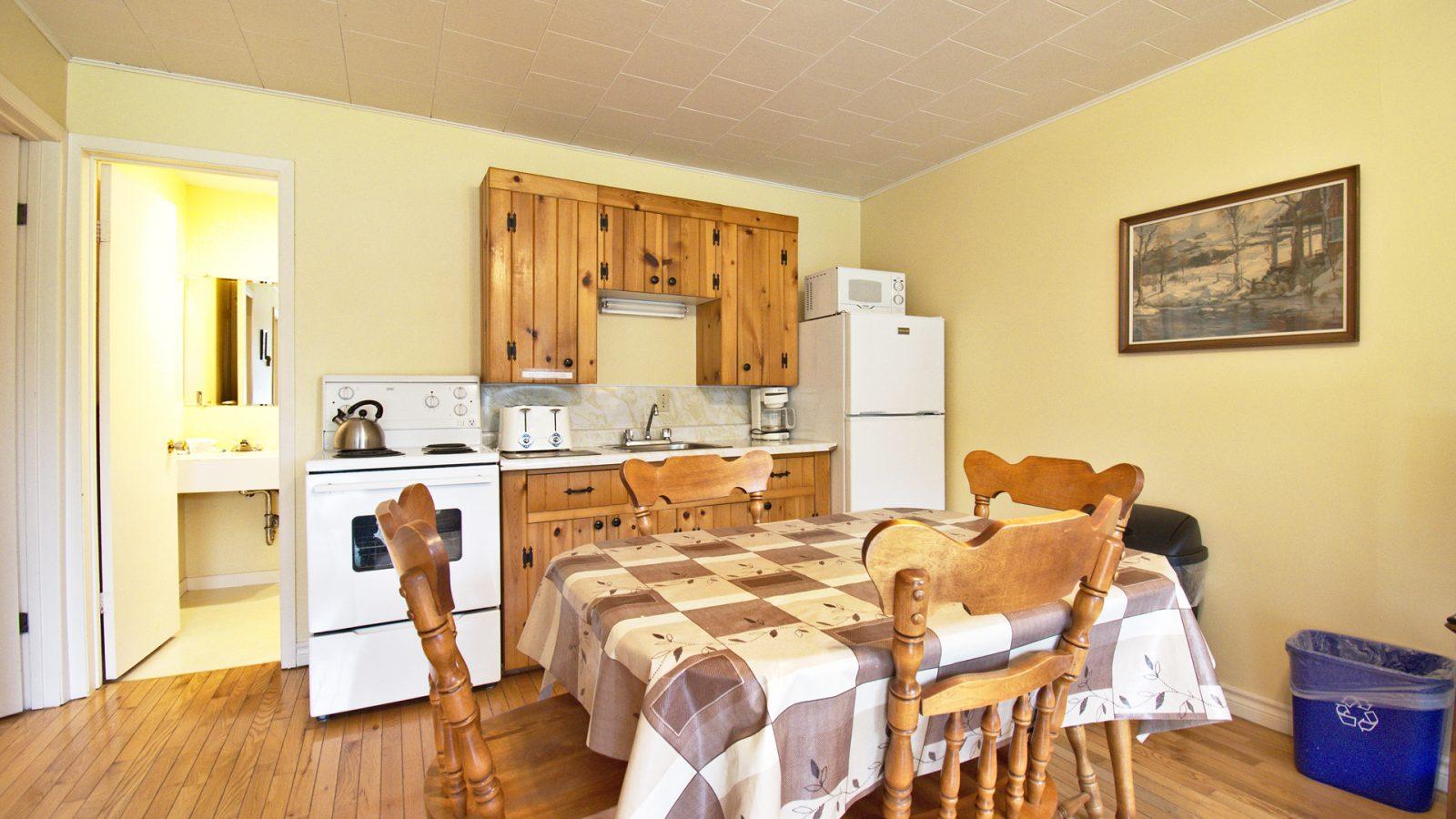 #27 Stand-Alone Cottage - Kitchen