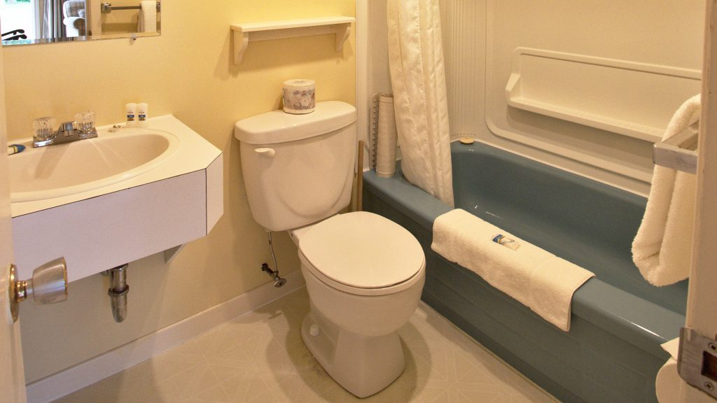 #27 Stand-Alone Cottage - Bathroom