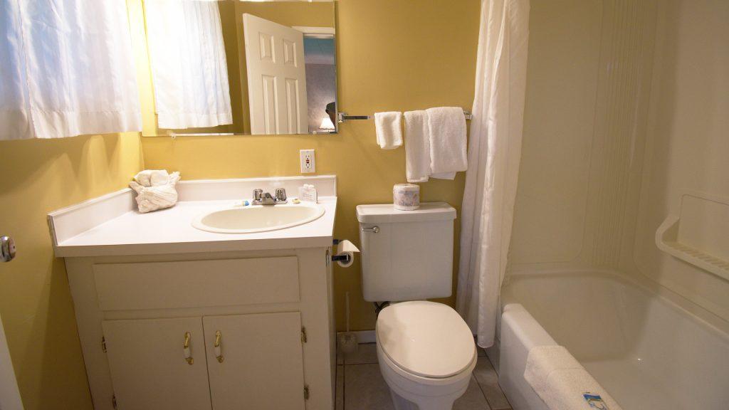 #25 Duplex Cottage - Bathroom