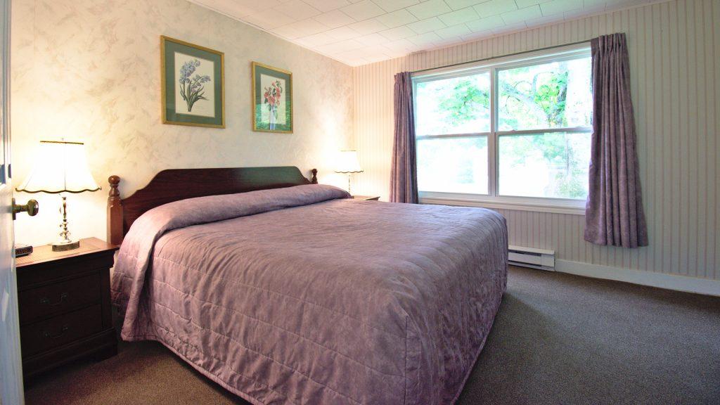 #25 Duplex Cottage - Bedroom