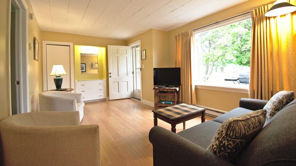 #25 Duplex Cottage - Living Area