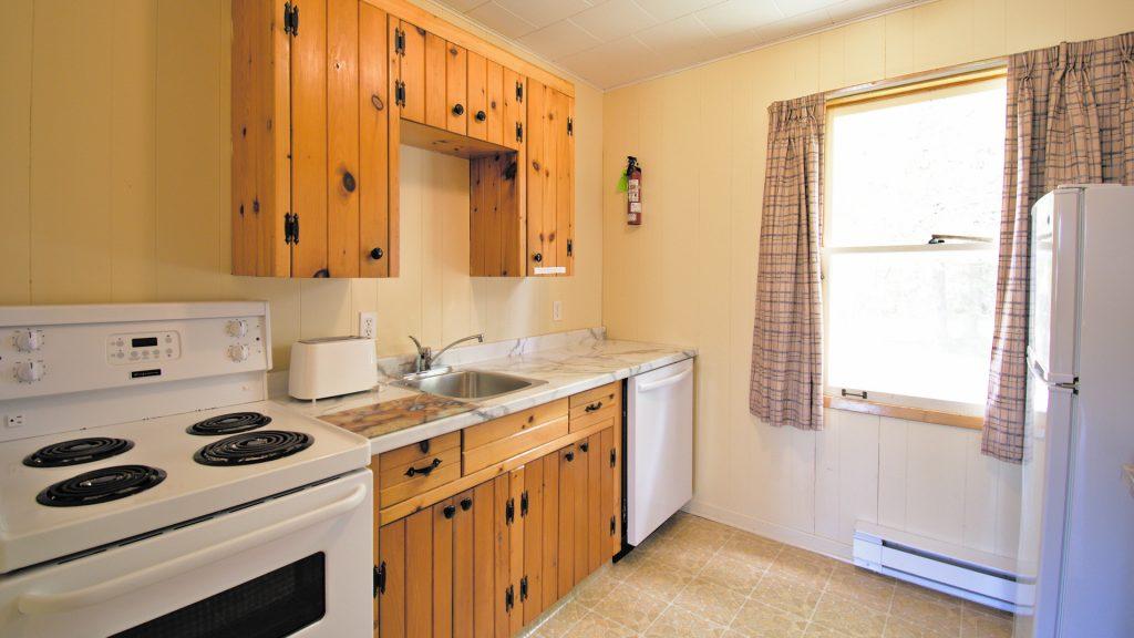 #18 Stand-Alone Cottage - Kitchen